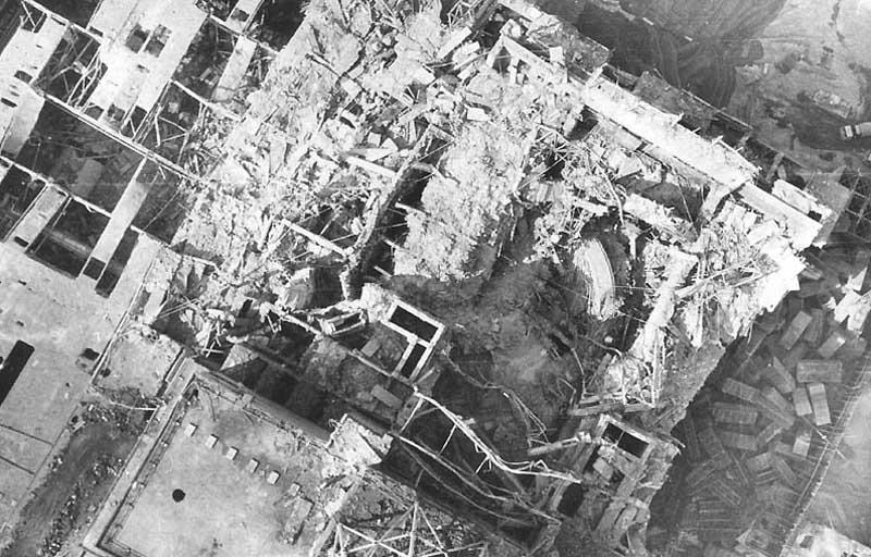 http://www.hilliontchernobyl.com/2bgal/img/tcherno2/04accident.jpg
